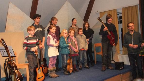 Klimperkoffer-Gitarrenlehrer-Leipzig-Vorspiel-Winter-2013.jpg